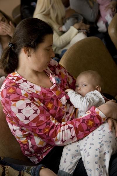 Акция поддержки грудного вскармливания 23.02.2006 20-23-04